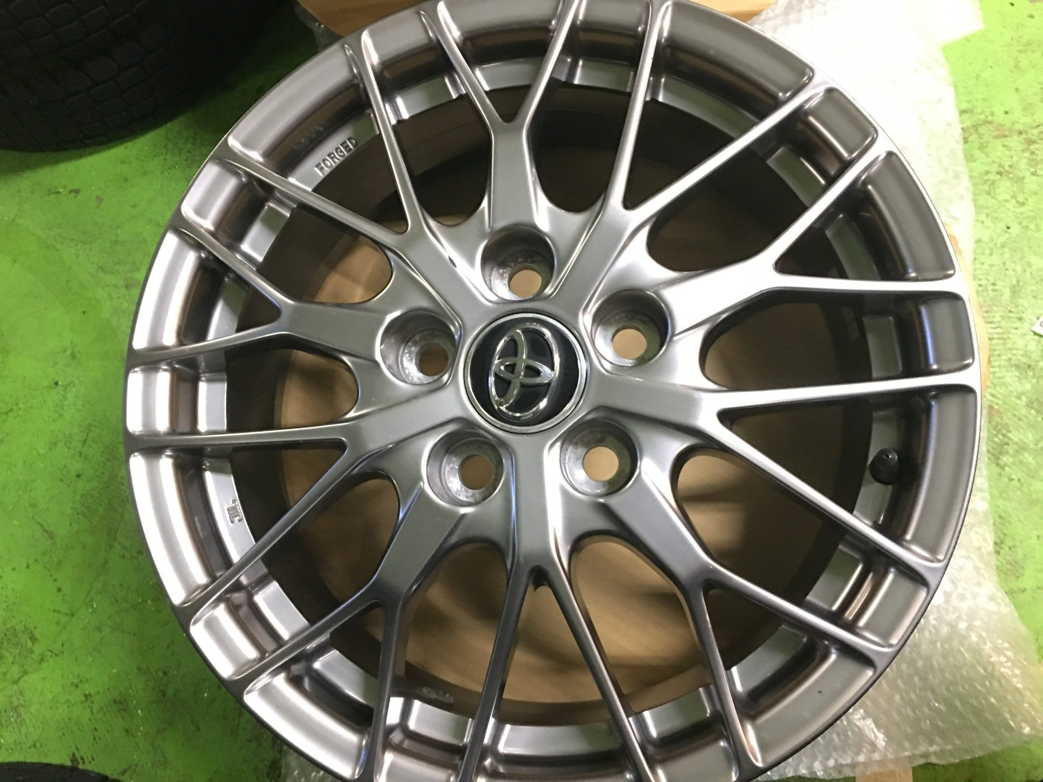 BBS製トヨタ ヴォクシー純正 オプション